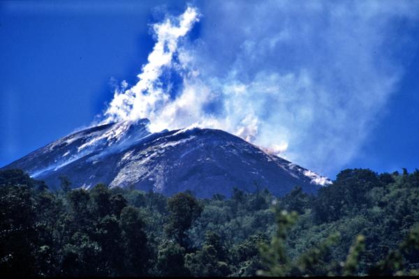 guatemala-volcanoes-04