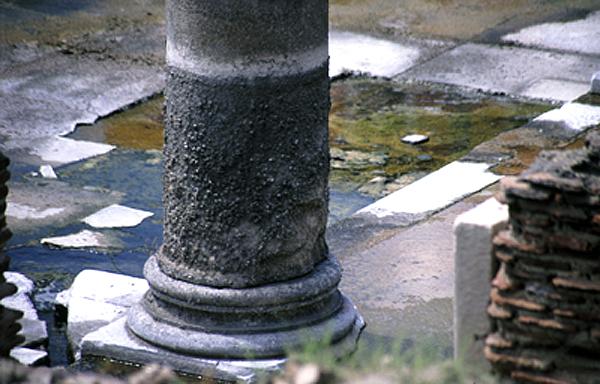 Pouzzoles-temple